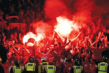 Arsenal thang ma khong vui - Anh 1