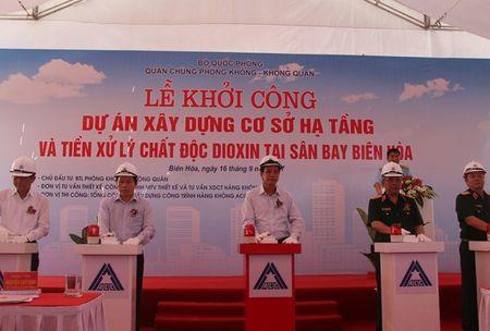 Bo Quoc phong khoi cong du an xu ly dioxin tai san bay Bien Hoa - Anh 1