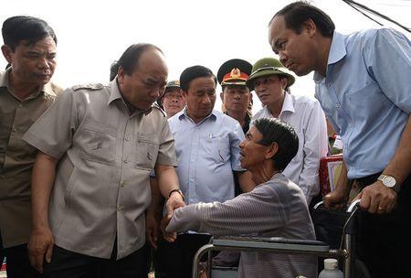Thu tuong chi dao khac phuc hau qua bao so 10 tai Nghe An, Ha Tinh - Anh 1