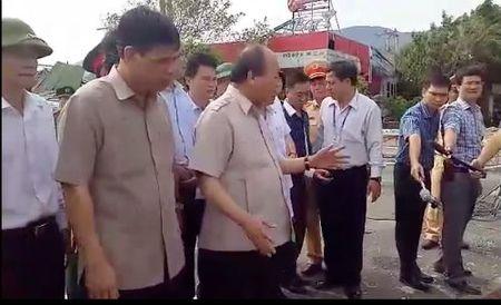 Roi Quang Binh, TT Nguyen Xuan Phuc ra Ha Tinh chi dao khac phuc hau qua bao so 10 - Anh 2
