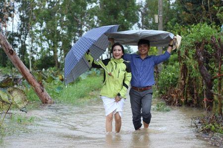 Quang Tri: Chu re vuot lu, doi mua ruoc dau ngay bao - Anh 4