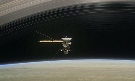 Tau vu tru 3,3 ty USD cua NASA 'chon xac' tren sao Tho - Anh 1