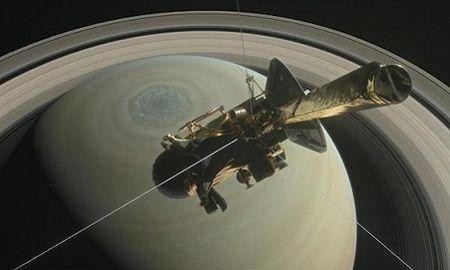 Tau vu tru 3,3 ty USD cua NASA 'chon xac' tren sao Tho - Anh 2