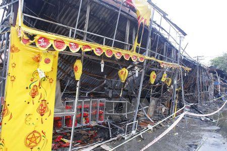 Hien truong kinh hoang vu chay tren duong Giai Phong - Anh 3