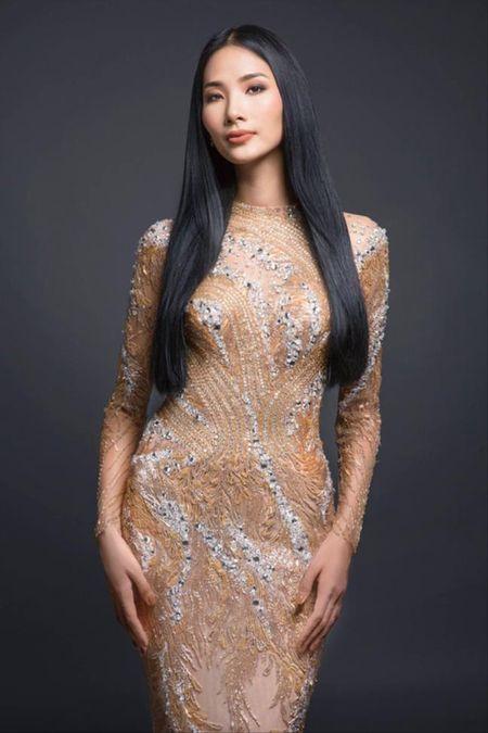 Hoang Thuy chinh thuc 'vuot mat' Mau Thuy gianh giai thuong dau tien cua Miss Universe Vietnam 2017! - Anh 2