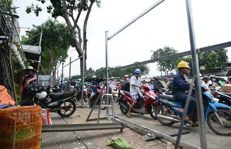 Nhieu duong ket cung vi giai toa ki ot quanh san bay Tan Son Nhat - Anh 1