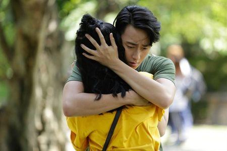 Dan mang 'day song' voi 'canh nong' cua Rocker Nguyen va Angela Phuong Trinh trong bon tam - Anh 2