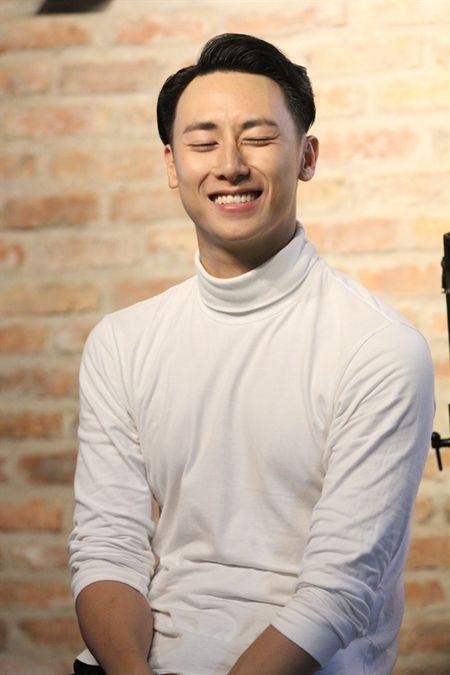 Dan mang 'day song' voi 'canh nong' cua Rocker Nguyen va Angela Phuong Trinh trong bon tam - Anh 4