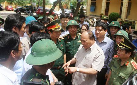 Thu tuong Nguyen Xuan Phuc yeu cau tinh Nghe An som khac phuc hau qua sau bao so 10 - Anh 1