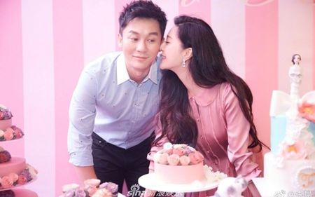 Lang giai tri Hoa ngu 'day song' khi Ly Than cau hon Pham Bang Bang - Anh 1