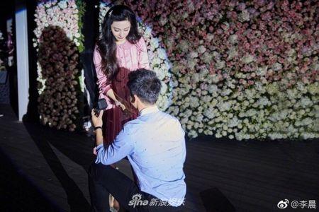 Lang giai tri Hoa ngu 'day song' khi Ly Than cau hon Pham Bang Bang - Anh 3