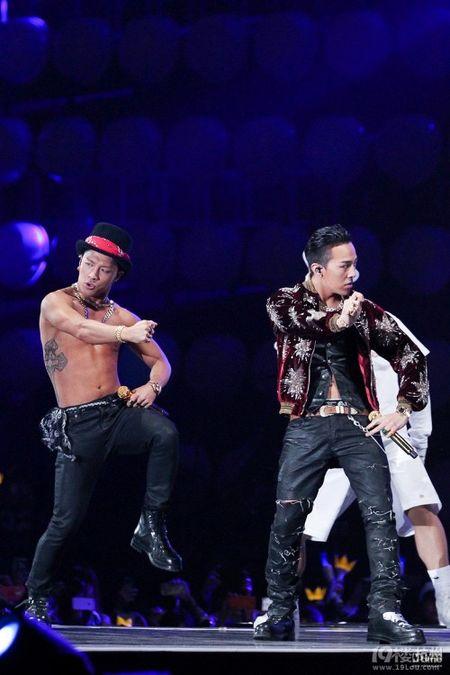 G-Dragon va Taeyang: Chu nhan man trinh dien hot nhat lich su le trao giai MAMA - Anh 4