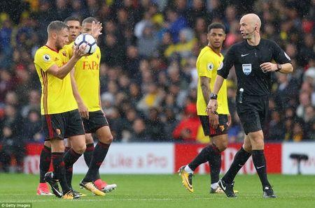 Man City len ngoi dau sau man 'huy diet' Watford - Anh 10