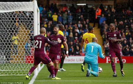Man City len ngoi dau sau man 'huy diet' Watford - Anh 5