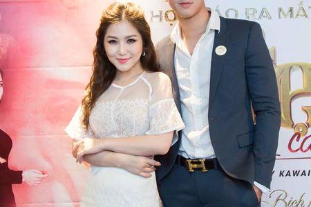 Huong Tram hao hung ung ho dao dien Kawaii Nguyen Tuan Anh ra mat phim moi - Anh 1