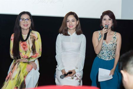 Huong Tram hao hung ung ho dao dien Kawaii Nguyen Tuan Anh ra mat phim moi - Anh 3