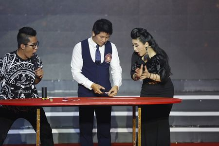 Ky Tai Lo Dien tap 1: Ao thuat gia 'tung chieu' hap dan va cuon hut - Anh 2
