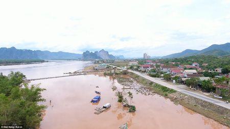 Quang Binh xac xo sau bao qua goc nhin tu tren cao - Anh 7