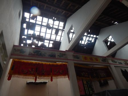 Thua Thien – Hue: Khan truong khac phuc hau qua loc xoay, giup dan on dinh cuoc song - Anh 3