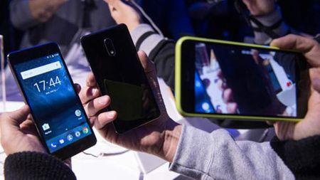 Nokia va cuoc chien trong phan khuc smartphone tam trung - Anh 2