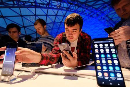 Nokia va cuoc chien trong phan khuc smartphone tam trung - Anh 4