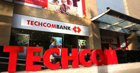 Standard & Poor's nang hang trien vong tin nhiem cua Techcombank - Anh 1