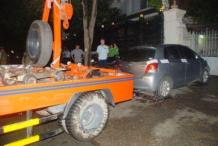 Cho khach rut tien 5 phut, tai xe taxi bi phat 700.000 dong - Anh 5
