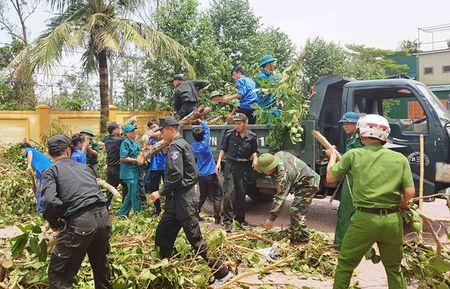 Thu tuong: Nghe An phai huy dong luc luong khac phuc bao so 10 - Anh 2