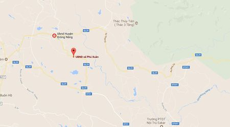 Phat hien vat the nghi thuoc no duoc dat tren tran hoi truong thon - Anh 1