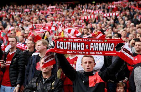 Liverpool gay that vong, Man City thang dam Watford 6-0 - Anh 14