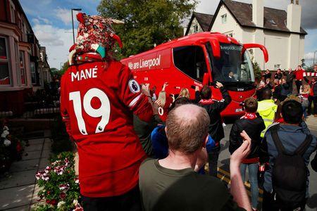Liverpool gay that vong, Man City thang dam Watford 6-0 - Anh 18