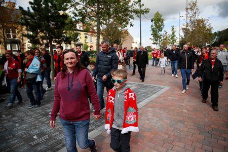 Liverpool gay that vong, Man City thang dam Watford 6-0 - Anh 19