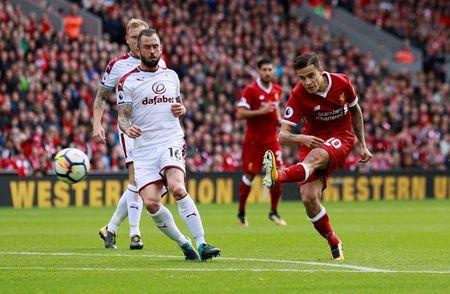 Liverpool gay that vong, Man City thang dam Watford 6-0 - Anh 2