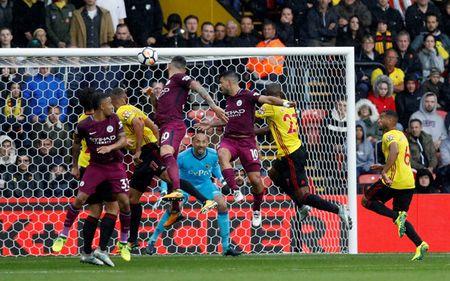 Liverpool gay that vong, Man City thang dam Watford 6-0 - Anh 9