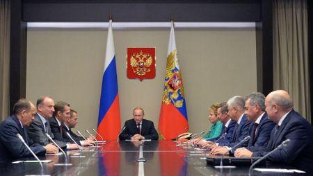 Ong Putin hop voi HDAN quoc gia khi Trieu Tien thu ten lua - Anh 1