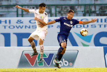 Ket qua V-League: Ha Noi nga dau; Hai Phong vuot bi cuc - Anh 1