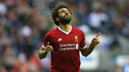 Doi hinh 'sieu tan cong' giup Liverpool ha dep Burnley - Anh 10