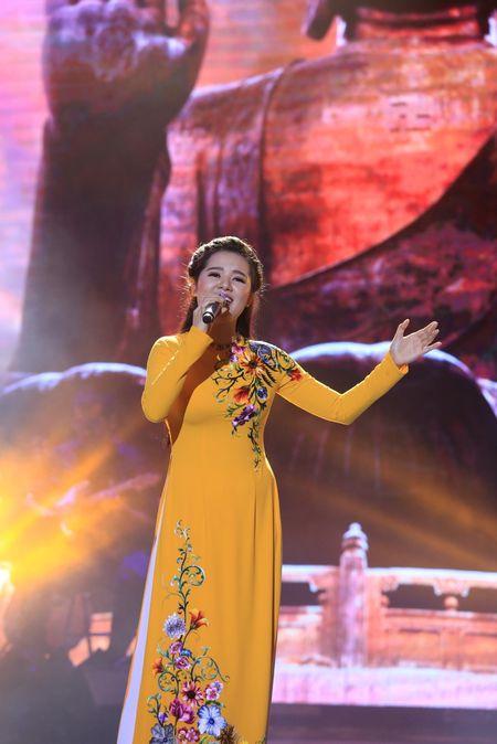 Sao Mai Thuy Dung dep man ma ngay 'tro lai' showbiz - Anh 1