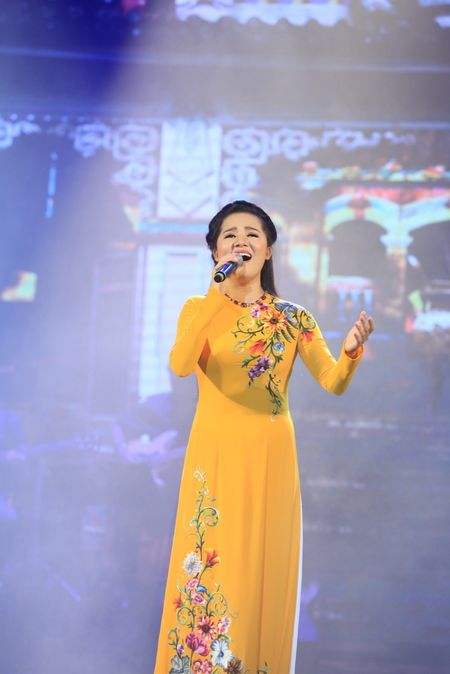 Sao Mai Thuy Dung dep man ma ngay 'tro lai' showbiz - Anh 2