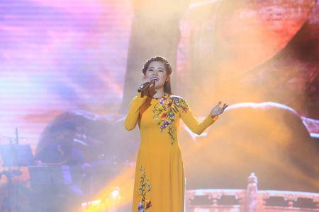 Sao Mai Thuy Dung dep man ma ngay 'tro lai' showbiz - Anh 3