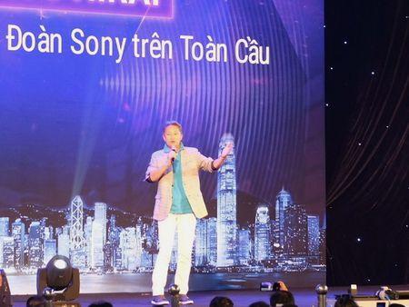 Chu tich Sony toan cau xuat hien tai Viet Nam trong su kien Sony Show - Anh 1