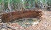 Đất sụt lún bất thường tạo hố lớn ở Thanh Hóa