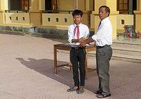 Học sinh nghèo trả lại 13 triệu đồng cho người đánh rơi