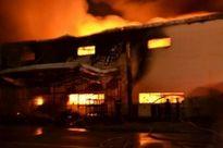 Khám nghiệm hiện trường tìm nguyên nhân vụ cháy tại Khu công nghiệp Long Bình