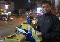 Hàng nghìn cuốn sách Học làm người tặng phật tử đi lễ cầu an chùa Phúc Khánh