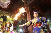 Thanh đồng Kim Huệ: Hầu đồng mong manh ranh giới tín - mê