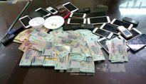 Khởi tố vụ án 11 đối tượng đánh bạc là công nhân công ty Habeco