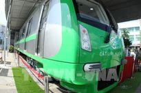 Cẩu lắp đoàn tàu đầu tiên dự án đường sắt đô thị tuyến Cát Linh – Hà Đông