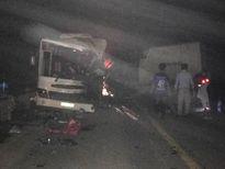Ô tô đâm nhau kinh hoàng trong đêm, 11 người thương vong