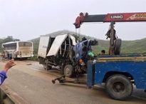 Lại xảy ra tai nạn giữa xe khách và xe tải, hàng chục người thương vong